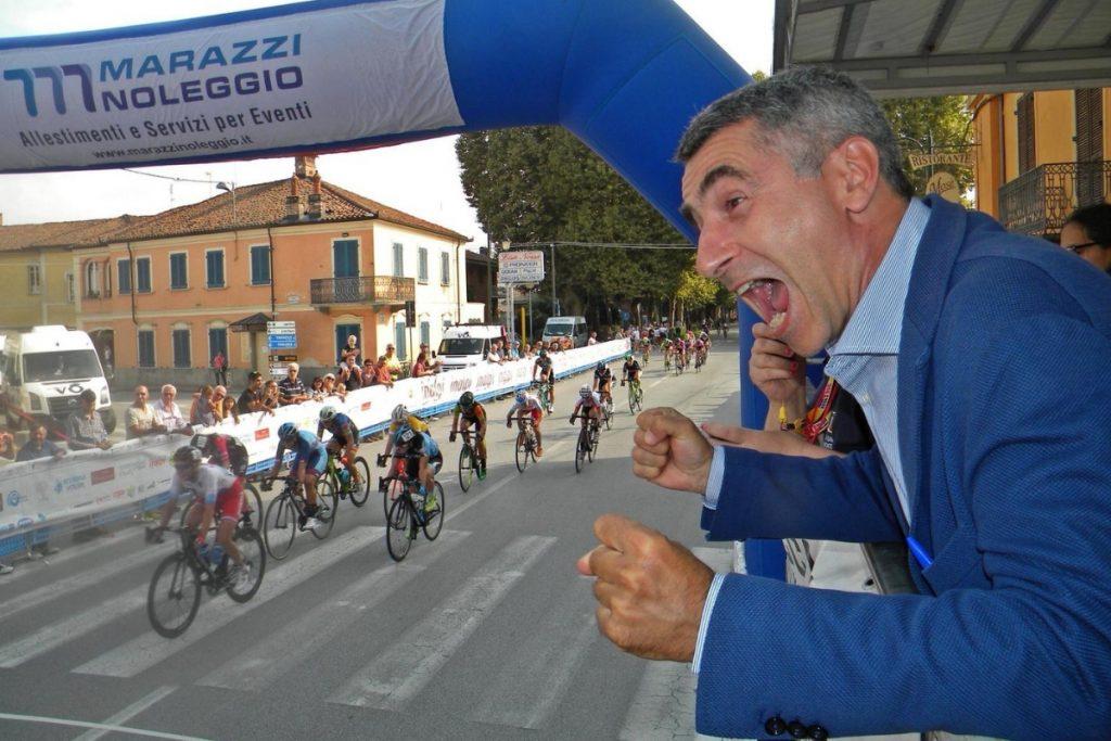 L'assessore allo sport del Piemonte Giovanni Maria Ferraris esulta per il terzo posto di Francesca Selva